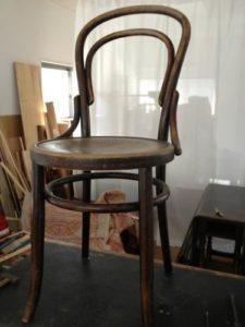 アンティークの修理の基本中の基本!アンティーク家具ベントウッドチェアの修理。木部ぐらつき修理、塗装直し(再塗装)1