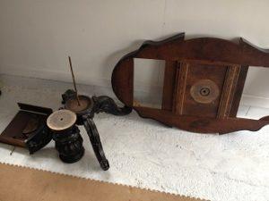 フランスアンティーク家具ダイニングテーブルの修理。脚と天板の木部修理、リペイント(アンティーク仕上げ)1