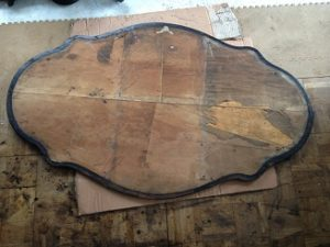 フランスアンティーク家具ダイニングテーブルの修理。脚と天板の木部修理、リペイント(アンティーク仕上げ)3