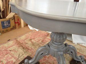 フランスアンティーク家具ダイニングテーブルの修理。脚と天板の木部修理、リペイント(アンティーク仕上げ)6