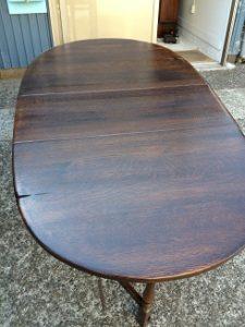 イギリスアンティーク家具ゲートレッグテーブルの修理。天板再塗装(塗り替え、塗り直し)4