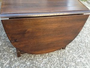 イギリスアンティーク家具ゲートレッグテーブルの修理。天板再塗装(塗り替え、塗り直し)5