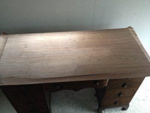 イギリスアンティーク家具ドレッシングテーブル(鏡台)の修理。天板付き板張り直し その1 アンティーク家具の修理、修復、カスタムの実例ご紹介!!4