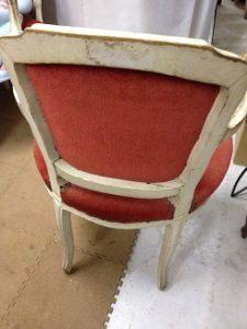 フレンチのアンティークアームチェアの修理。フレームリペイント(再塗装)と座面・背の生地の張替です!2
