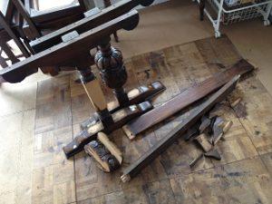 アンティークリフェクトリーテーブル修理3