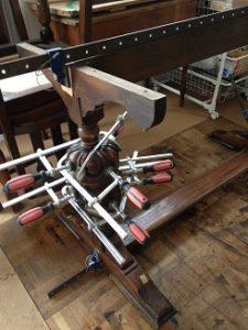 イギリスアンティークリフェクトリーテーブル修理3
