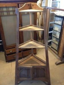 アンティークのコーナーシェルフ(棚)の締め直し、再塗装の実例6