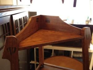 アンティークのコーナーシェルフ(棚)の締め直し、再塗装の実例12