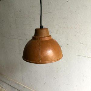 レザーシェードのペンダントランプ/leather/イギリス E9