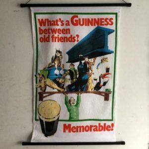 ヴィンテージ ティータオルのタペストリー/Irish-linen/Guinness/アイルランド E11