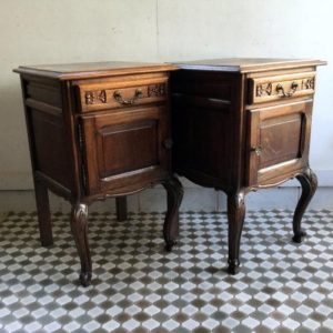 ヴィンテージ ペアのナイトテーブル/ベッドサイドテーブル/チェスト/フランス G9 です。