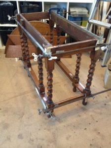 アンティークのゲートレッグテーブル修理3