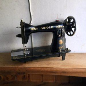 ヴィンテージ SINGER(シンガー)ミシン/15U/国産 M8