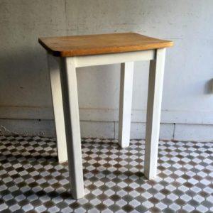 アンティーク オールドパインのテーブル/ホワイトペイント/イギリス M19