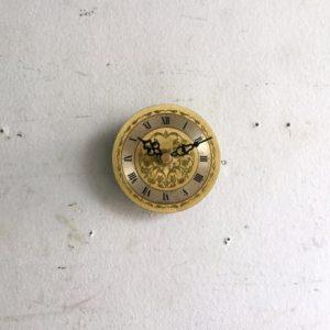 ヴィンテージ 小さな壁掛け時計/真鍮/クロック/ドイツ A16